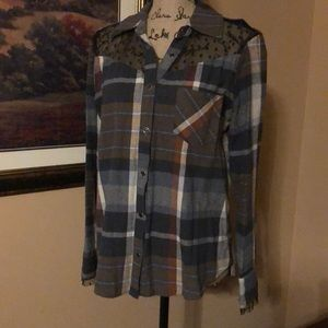 Daytrip flannel top, size medium